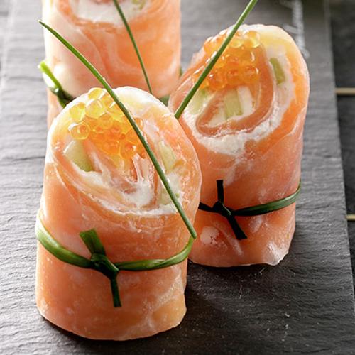 Rouleaux de saumon et sauce à l'avocat