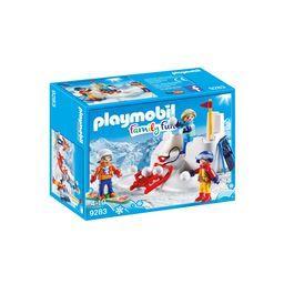 Family Fun - Enfants avec boules de neige 4-10