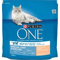 Purina One Purina One - Croquettes à la truite et blé pour chat stérilisé le sac de 1,5 kg