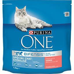 Purina One Purina One - Croquettes Bifensis saumon et blé pour chat stérilisé le paquet de 1,5 kg