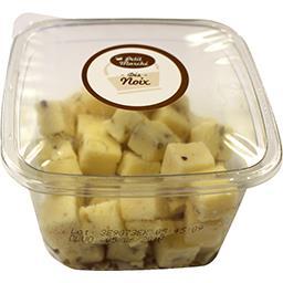 Dés de fromage aux noix, au lait pasteurisé PETIT MARCHE, 30% de MG, 120g