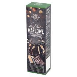 Listki waflowe w deserowej czekoladzie z kremem orze...