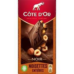 Chocolate negro com nozes inteiras