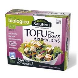 Tofu biológico com ervas aromáticas