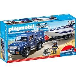 Camião da polícia com lancha