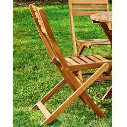 Cadeira em madeira dobrável
