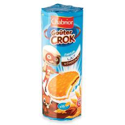 Bolachas com recheio de leite e chocolate