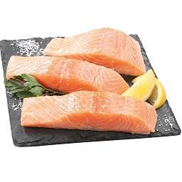Porções de salmão fresco