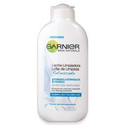 Leite de limpeza essencial para peles normais
