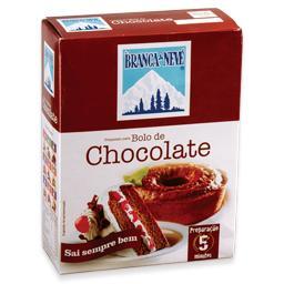 Preparo para bolo de chocolate
